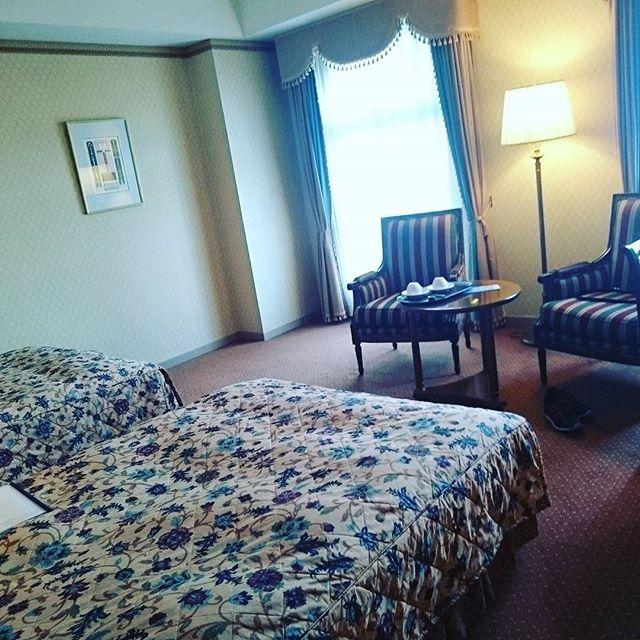 社員送別会旅行でハウステンボス、ひとり部屋は広すぎるし、孤独 - from Instagram