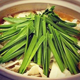 今日は日頃大変お世話になってる方のご招待で、「もつ鍋 しば田」行って来ました。ここの水炊き風もつ鍋はとにかく絶品 - from Instagram